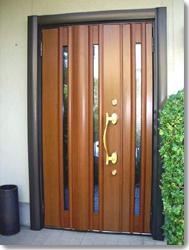 サン・ウインドトーヨー住器:玄関ドア リネスタ RJ-15型(ミルブラウン)の導入事例…N県N市 K様邸