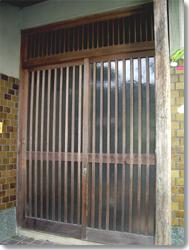サン・ウインドトーヨー住器:玄関引戸 菩提樹(オータムブラウン)の導入事例…U市 M様邸