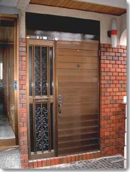 サン・ウインドトーヨー住器:玄関ドア リフォルテ17型の導入事例…枚方市 M様邸