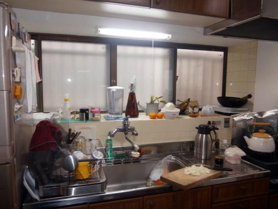 サン・ウインド導入事例:八幡市N様邸キッチン出窓真空ガラススペーシア施工後