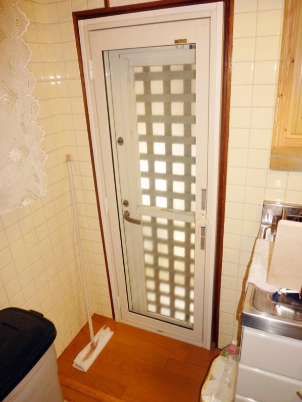 リクシル内窓インプラス勝手口ドア導入事例