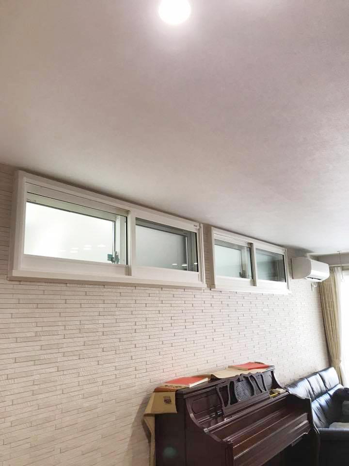 内窓プラスト&防音合わせガラス12mmの導入事例 施工後(高窓)