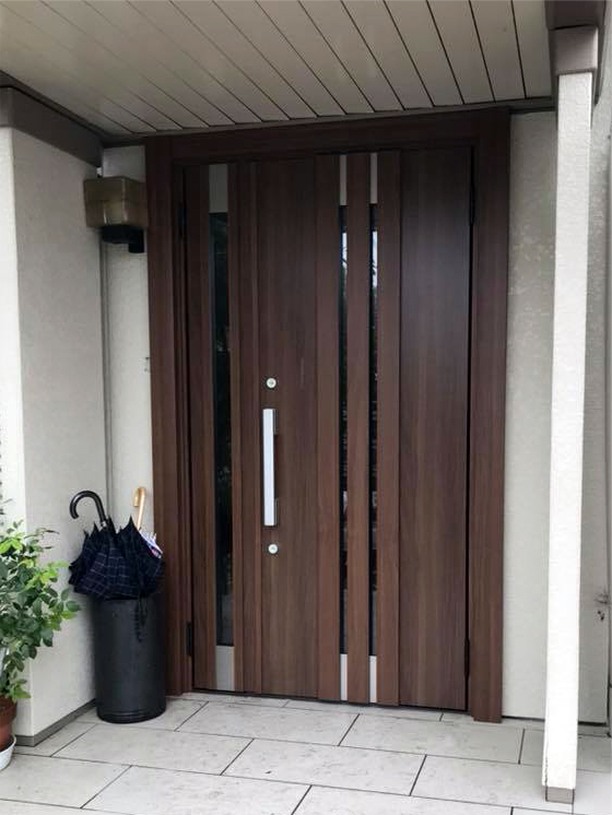LIXIL-玄関ドア-リシェント3断熱仕様M27型親子クリエモカリフォーム後