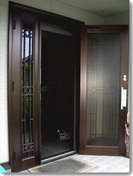 玄関収納網戸 しまえるんです親子タイプ(オータムブラウン)の導入事例…吹田市 K様邸