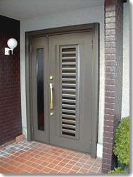 玄関ドア リフォルテ採風タイプ60型親子の導入事例…彦根市 H様邸