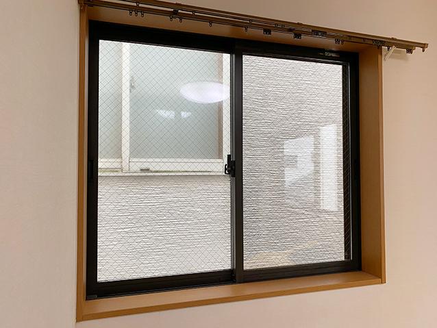 施工前の腰窓