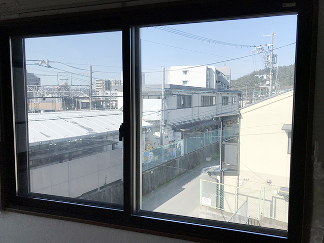 04施工前の腰窓