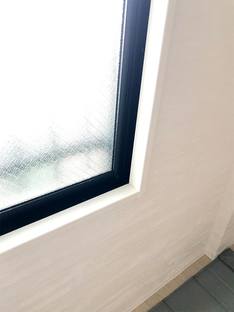 既存窓枠:取り付けスペースが狭い